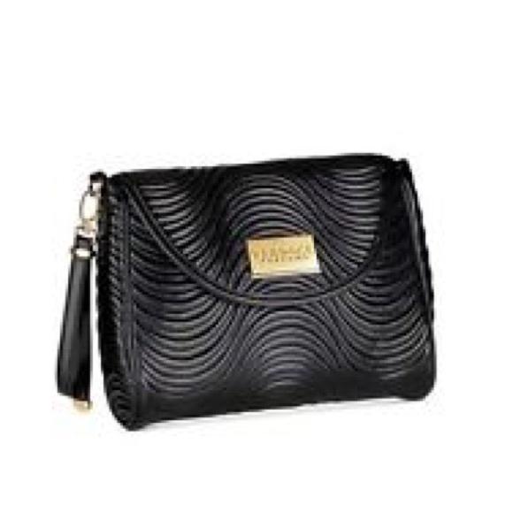Versace perfume quilted makeup bag. M 5a4ea15e2c705d8f320044f8 97e7e73d63d68